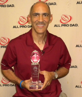 Coach Tony Dungy with 2009 NFLPA, KY Chapter BCSG Award
